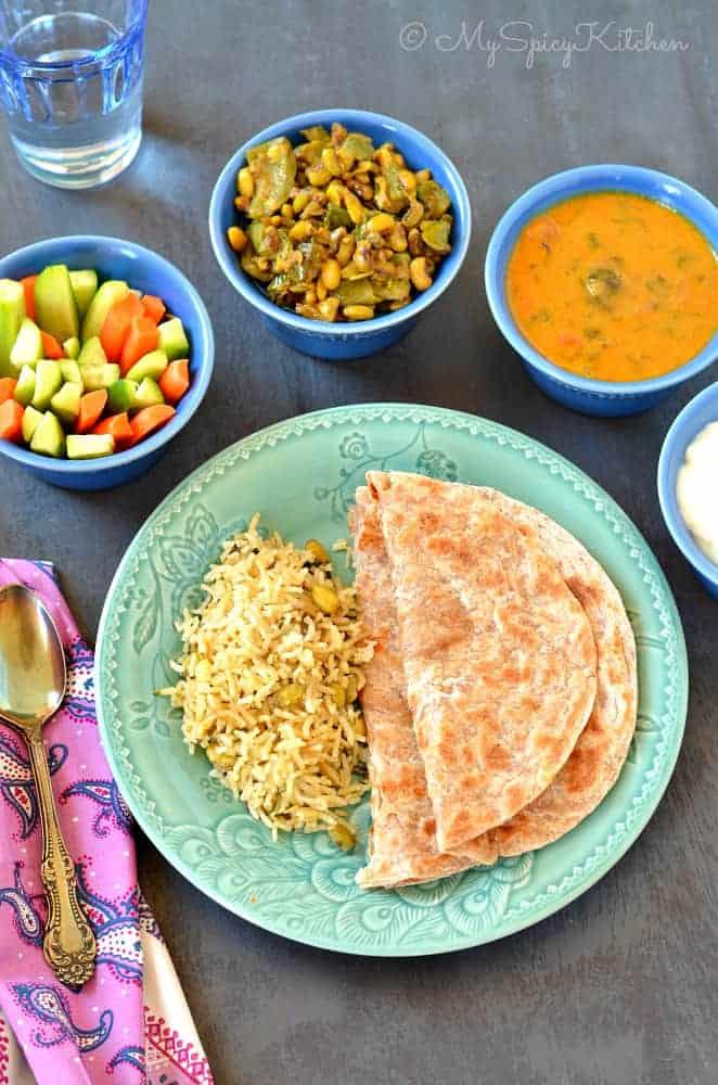 Beerakaya Alshantha Kaya Koora, Ridge Gourd Black Eyed Peas Curry, Indian Curry, Telangana Food, Telangana Cuisine, Turai ki Subzi,