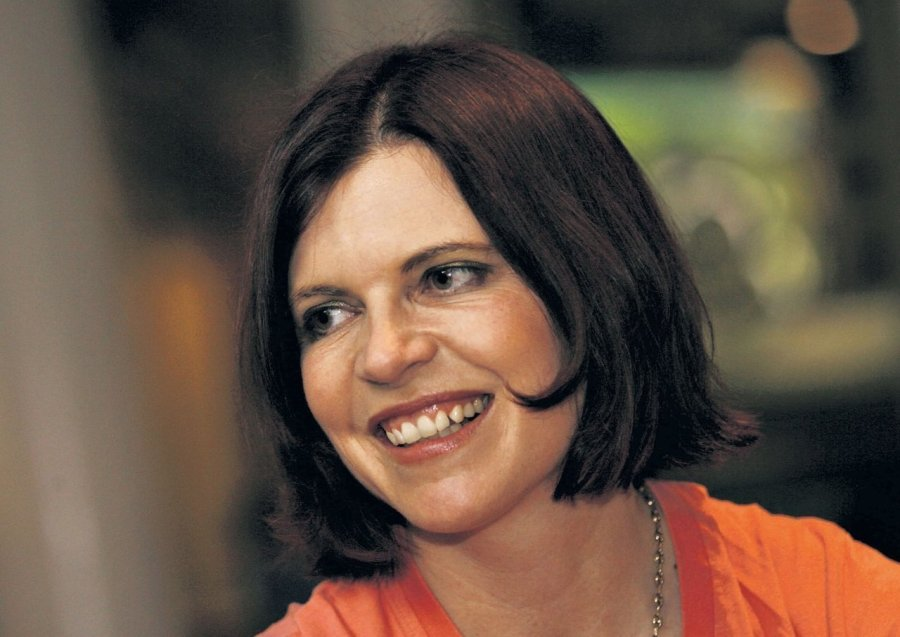 Jassy Mackenzie author south africa crime fiction movel books interview