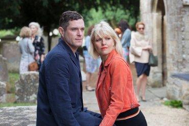 Acorn TV Renews Agatha Raisin For Series 3 With Ashley Jensen Agatha Raisin and the Curious Curate on Acorn TV_Mathew Horne & Ashley Jensen_4552