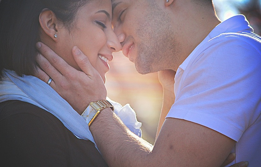 8 Ways to Avoid The Greener Grass Syndrome In Your Love Life - Mystic Compatibility