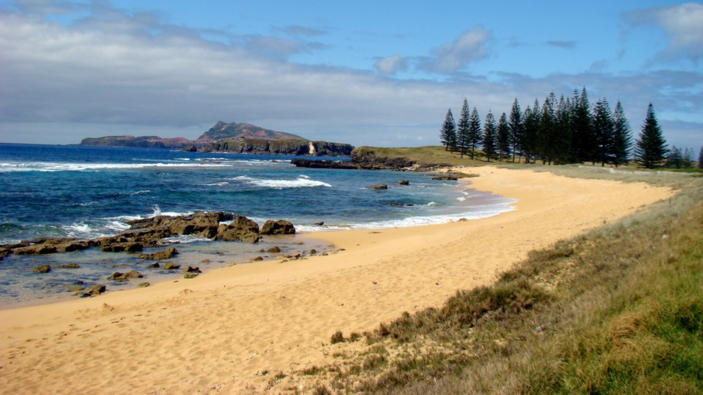 Breathtaking beach vista on Norfolk Island. Used under Creative Commons license, credit to Bob Hall.