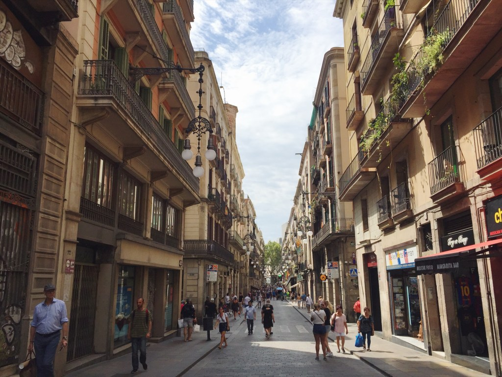 Picking my feet through the side streets off La Rambla.