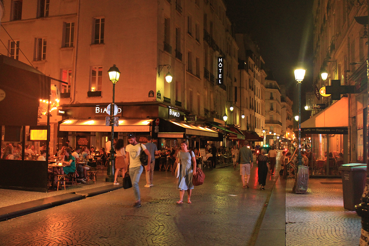 Living along Rue Montorgueil in Paris