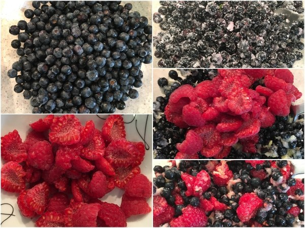 You can prepare the topping while the cheesepie is being baked. <br><br> Using a fork, carefully mix the berries with erythritol, lemon juice, and the optional xanthan gum. You can use any type of berries (or none at all).
