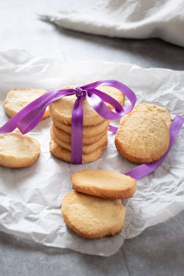 Simple Keto Shortbread Cookies recipe by My Sweet Keto #keto #glutenfee #lowcarb