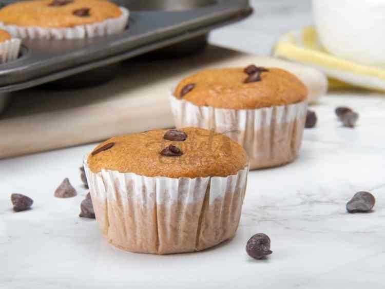 keto faux banana muffins