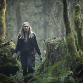 """The 100 -- """"Pilot"""" -- Image: HU101b_16408 -- Pictured: Eliza Taylor as Clarke -- Photo: Cate Cameron/The CW -- © 2013 The CW Network. All Rights Reserved."""