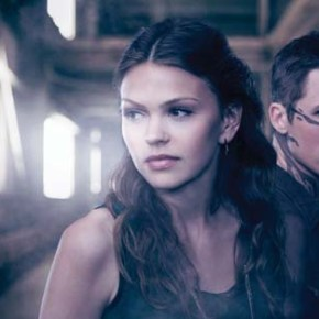 Star-Crossed -- Image: STA_01_KEY2_shot1 -- Pictured (L-R): Aimee Teegarden as Emery and Matt Lanter as Roman -- Photo: Mathieu Young/The CW -- © 2013 The CW Network, LLC. All rights reserved.