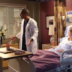 "GREY'S ANATOMY - ""I Want You With Me"" - ""Grey's Anatomy"" returns for its monumental tenth season with a two-hour event, THURSDAY, SEPTEMBER 26 (9:00-11:00 p.m., ET) on the ABC Television Network. In the second hour, ""I Want You With Me"" (10:00-11:00 p.m.), the fight continues to save those affected by the storm, Callie makes a bold decision regarding her relationship, and the doctors come together upon receiving devastating news. (ABC/Danny Feld)"