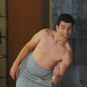 "NEW GIRL:  Schmidt (Max Greenfield, R) in the ""All In"" season premiere episode of NEW GIRL airing Tuesday, Sept. 17 (9:00-9:30 PM ET/PT) on FOX. ©2013 Fox Broadcasting Co. Cr: Ray Mickshaw/FOX"