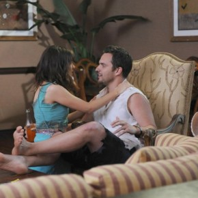 "NEW GIRL:  After running away to a Mexican beach town, Jess (Zooey Deschanel, L) helps Nick (Jake Johnson, R) when he gets into trouble with the authorities in the ""All In"" season premiere episode of NEW GIRL airing Tuesday, Sept. 17 (9:00-9:30 PM ET/PT) on FOX. ©2013 Fox Broadcasting Co. Cr: Ray Mickshaw/FOX"