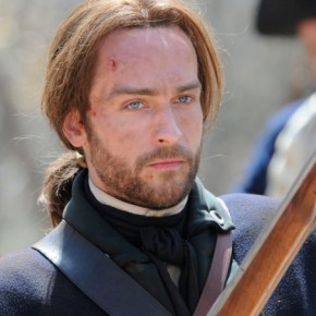 SLEEPY HOLLOW: From co-creators/executive producers Alex Kurtzman and Roberto Orci  comes the adventure thriller SLEEPY HOLLOW. In this modern-day retelling of Washington Irving's classic, ICHABOD CRANE (Tom Mison, pictured) is resurrected and pulled two and a half centuries through time to find that the world is on the brink of destruction and that he is humanity's last hope, forcing him to team up with a contemporary police officer (Nicole Beharie) to unravel a mystery that dates back to the founding fathers.