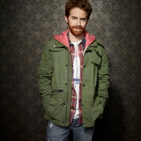 DADS: Seth Green as Eli. The new FOX comedy DADS premieres Tuesday, Sept. 17 (8:00-8:30 PM ET/PT) on FOX. ©2013 Fox Broadcasting Co. Cr: Joseph Llanes/FOX