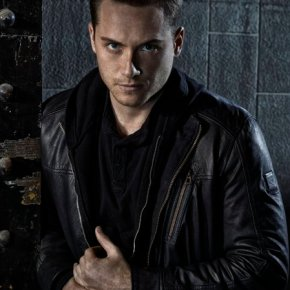 Jesse Lee Soffer as Det. Jay Halstead