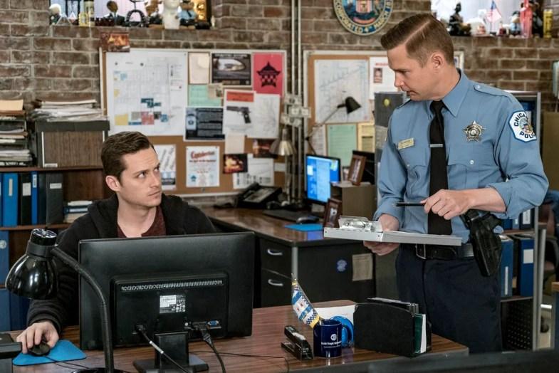 "CHICAGO P.D. -- ""If We Were Normal"" Episode 319 -- Pictured: (l-r) Jesse Lee Soffer as Jay Halstead, Brian Geraghty as Sean Roman -- (Photo by: Matt Dinerstein/NBC)"