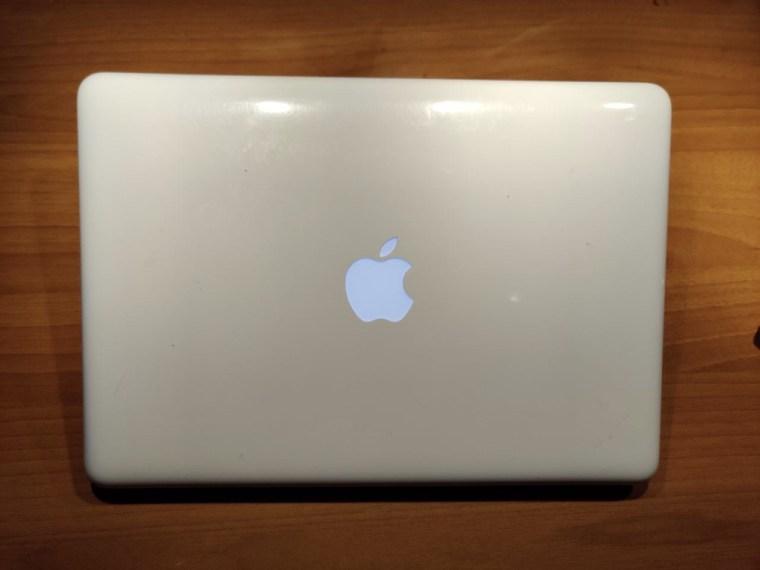 macbook-2010
