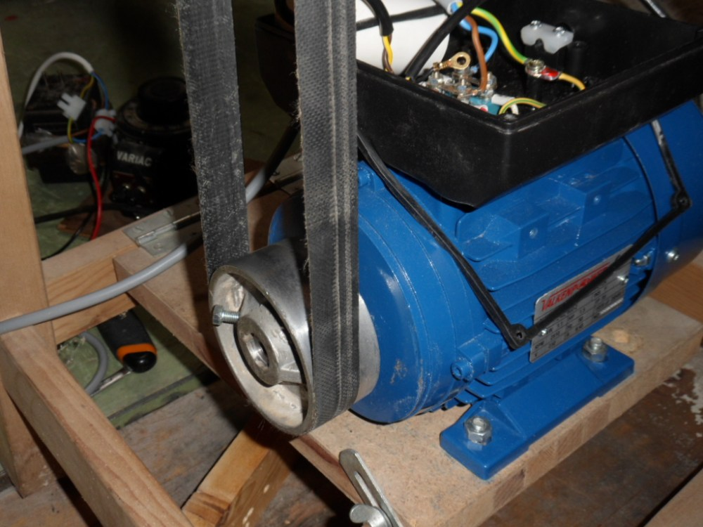 medium resolution of if you think that i really should use a capacitor what value do you suggest