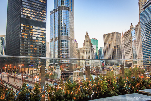 Looking for a best rooftops to hangout in Chicago with friends? Here it is, Raised bar with gorgeous Chicago skyline views. You can see Trump Tower, Wrigley building from this angle.