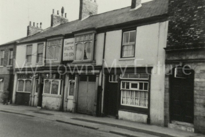 Baltic Tavern - Commercial Street - St Hilda's - Next door to Robin Hood, 1960, Paul Stephenson