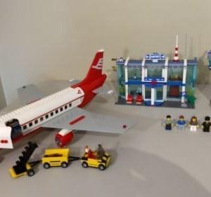 LEGO City Airport #3182 Box/Manuals included. RARE. Pre-owned.
