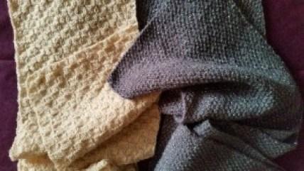 Handgestrickte Schals