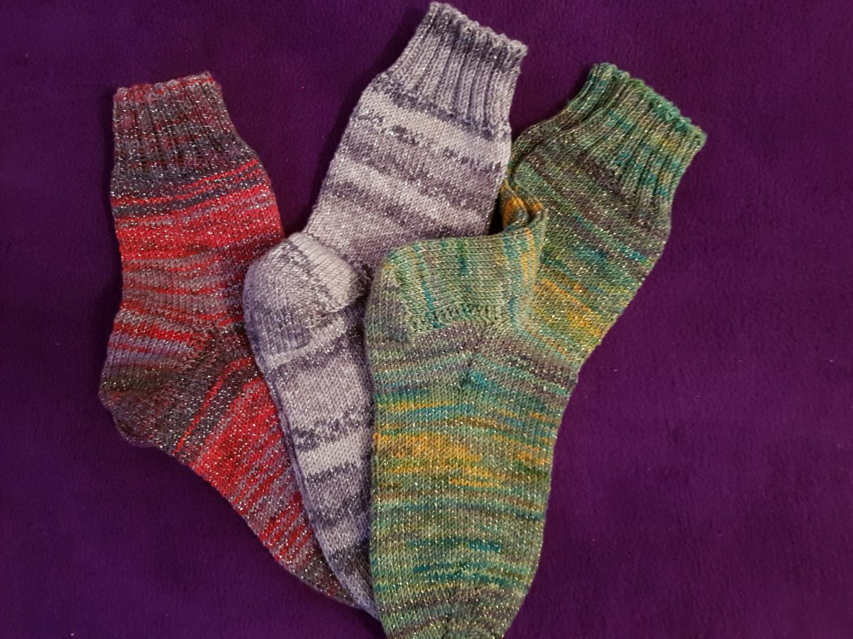 Socken stricken wie Oma | Anleitung und Gewinnspiel!