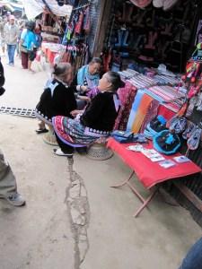 Tribu Akha et Tribu Hmong