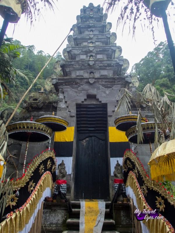 OLYMPUS DIGITATemple Pura Hulundanu BaturL CAMERA