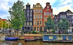 Tourist traps in Amsterdam and where to go instead