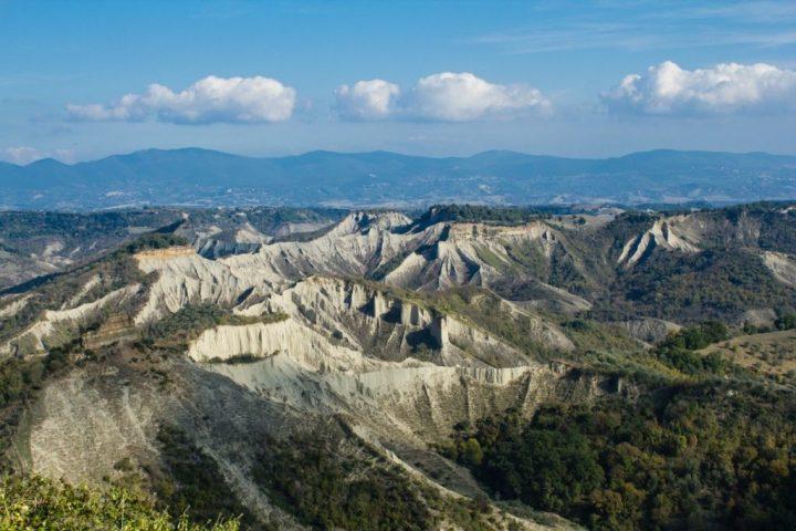 valle-calanchi-bagnoregio
