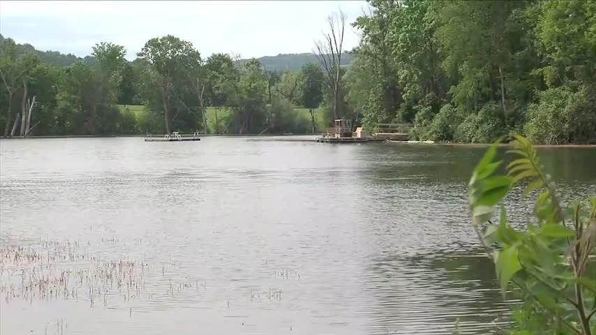NYSP pull three bodies from submerged vehicle_48109548