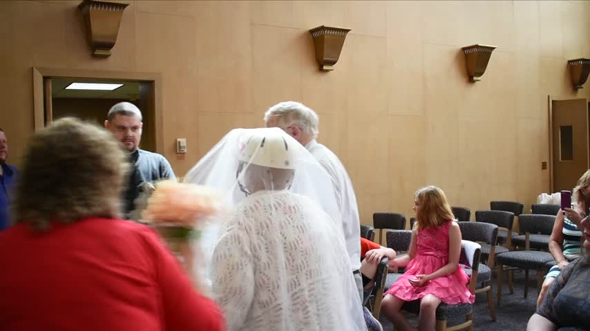 Painted Post cancer patient gets married in a hospital_28748498