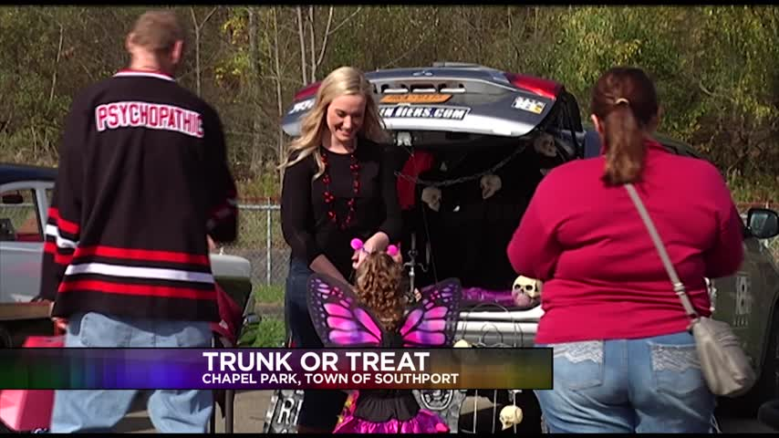 Locals have a -scary good- time at Trunk-or-Treat_21030574
