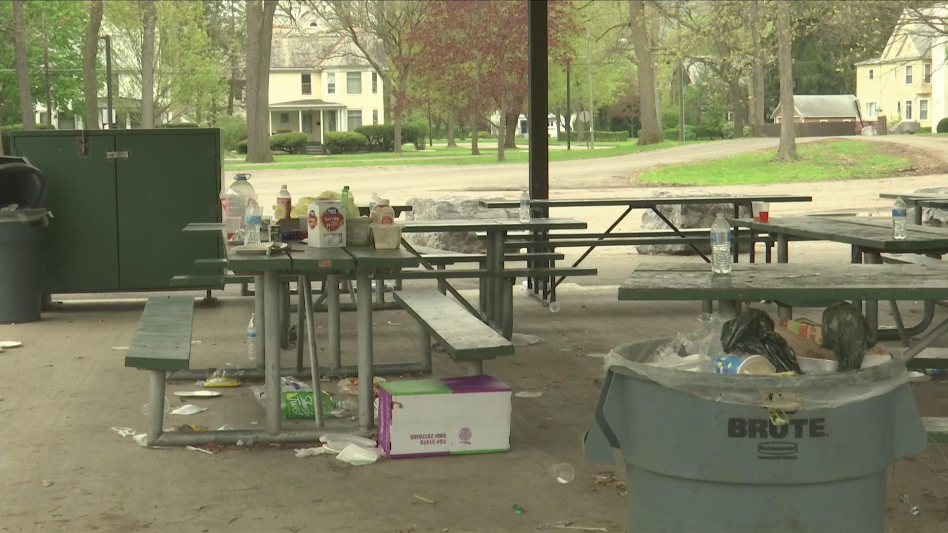 Grove Park trash