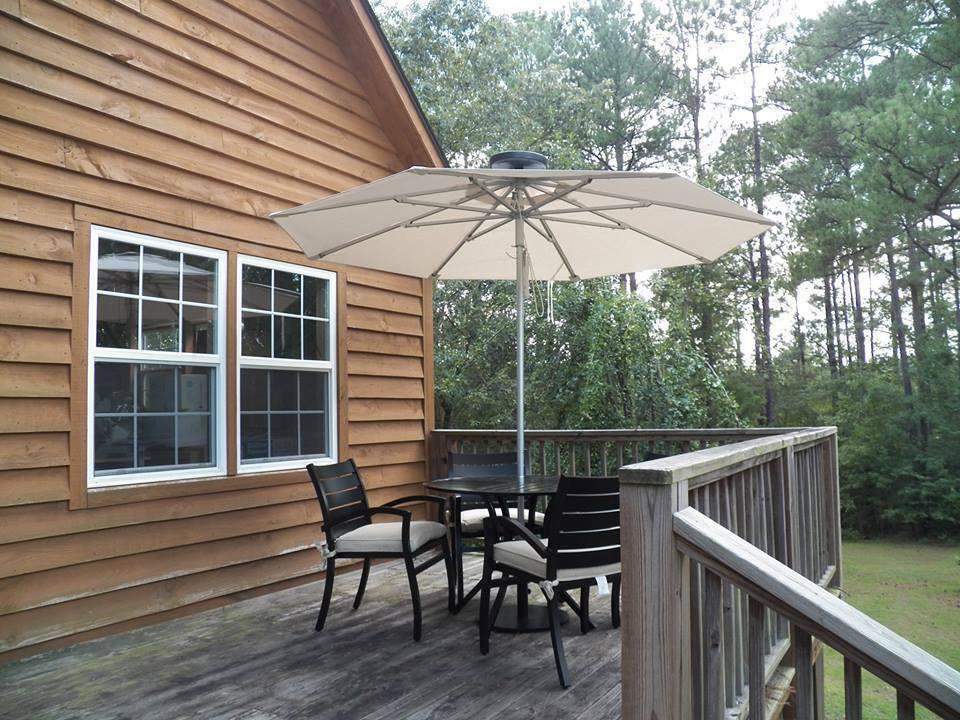 illumishade 7 ft solar powered led lighted market umbrella