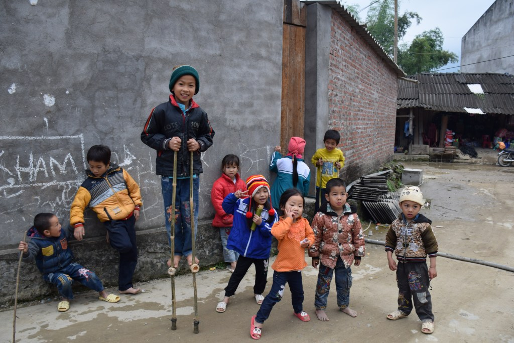 Sapa, village, kids, playing, Vietnam