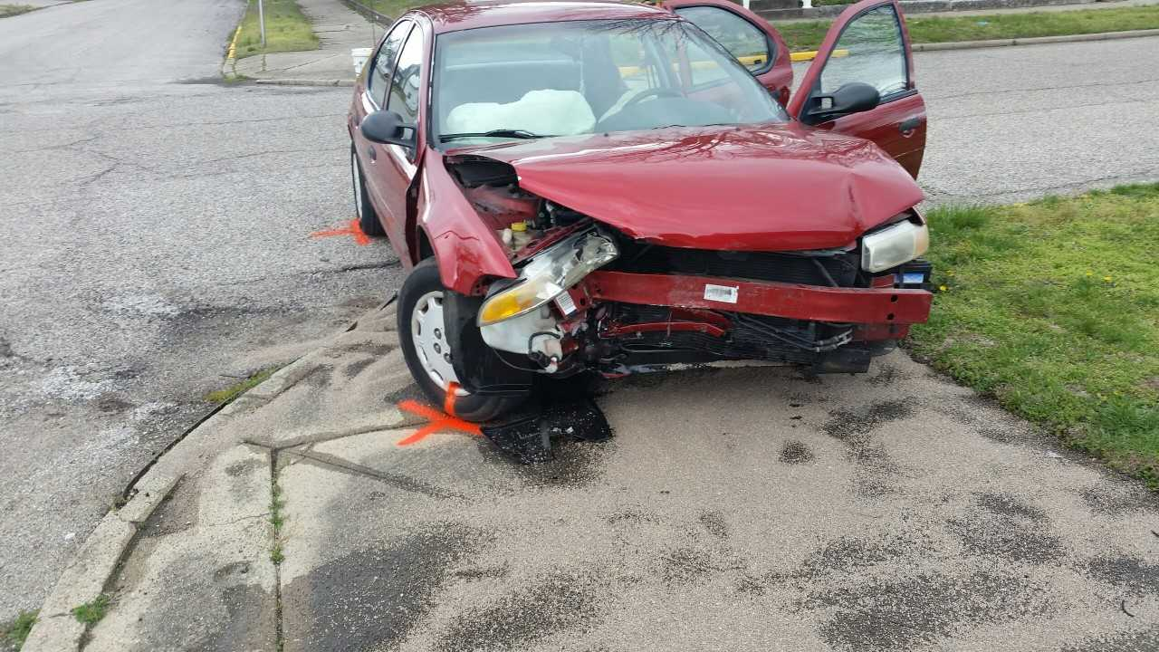 Driver Dies after Single Car Accident