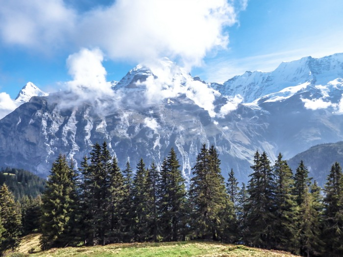 Gimmelwald, Switzerland | Hiking in the Swiss Alps | Murren | mountains | what a view