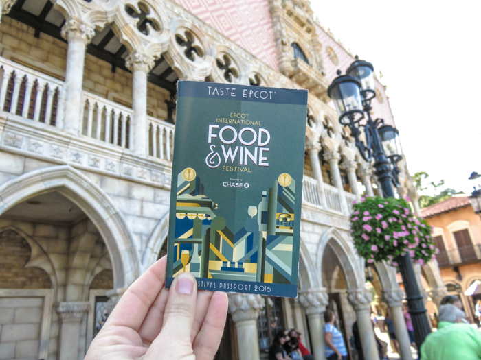 What to pack for the Epcot Food and Wine Festival | Epcot Center, Disney World, Orlando, Florida | What to wear, what to bring, what to leave at home, and how NOT to look like a crazy person | Apparel, shoes, misc. | Italy Pavilion
