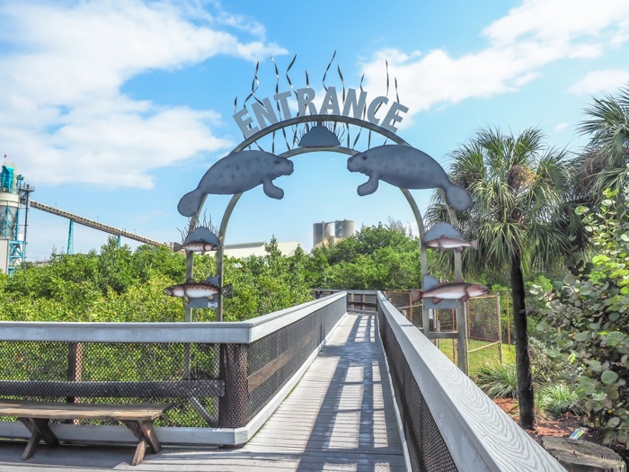 Tampa's Manatee Viewing Center | Apollo Beach, Tampa, Florida | Tampa Electric Company | TECO | Florida Manatees | Florida wildlife | Free things to do in Tampa | What to do in Tampa | Fun things to do in Tampa | entrance