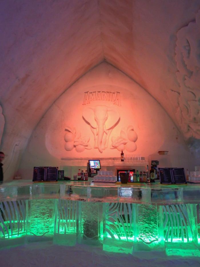 Hôtel de Glace // Straight Chillin' at Québec City's Ice Hotel | Québec City's ice hotel | The Amarula ice bar