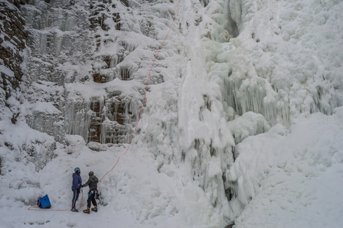 Ice Canyoning in Québec // Why You Should Be All up in This | Ice canyoning in Québec