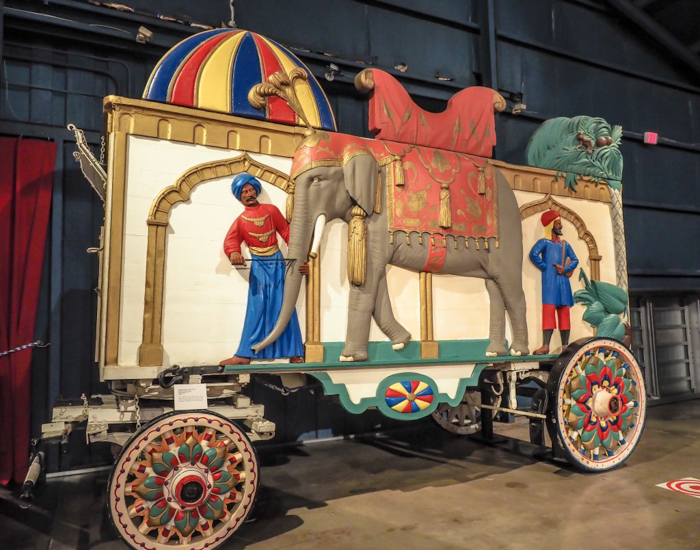 How creepy is the Ringling Brothers Circus Museum | Sarasota, Florida | Barnum and Bailey Circus | Greatest Show on Earth | The Greatest Showman | Circus history | Clowns | caravan