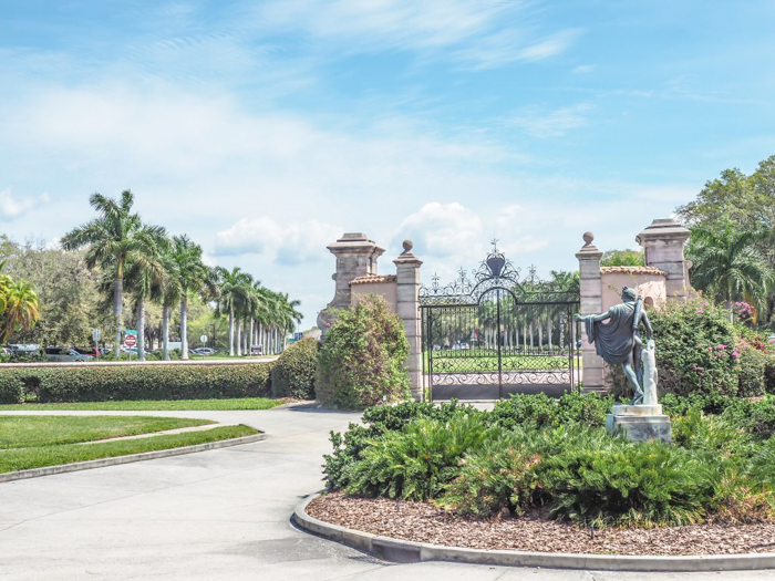 The Ringling // Getting My Italy Fix in Florida   Ringling   Ringling art museum and sculpture garden   Sarasota, Florida   gate
