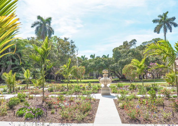 The Ringling // Getting My Italy Fix in Florida | Ringling | Ringling art museum and sculpture garden | Sarasota, Florida | The Ringling art museum | Rose garden | The secret garden