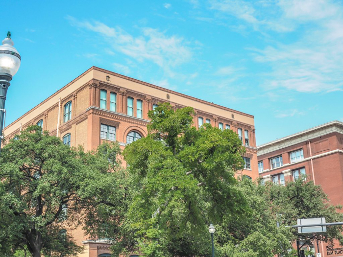 3 cities in 3 days in Texas | Dallas, Austin, San Antonio | What to do in Texas | Where to go in Texas | What to see in Texas | Dallas CityPASS | 6th Floor Museum, JFK assassination