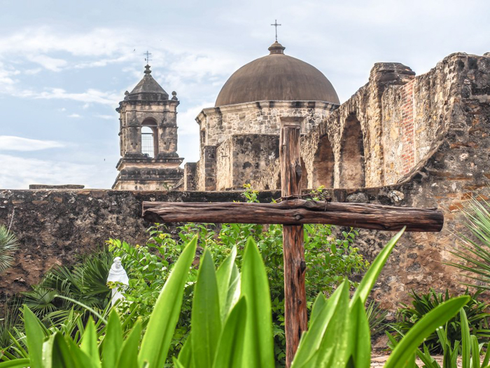 3 cities in 3 days in Texas | Dallas, Austin, San Antonio | What to do in Texas | Where to go in Texas | What to see in Texas | Dallas CityPASS | San Antonio missions, cross