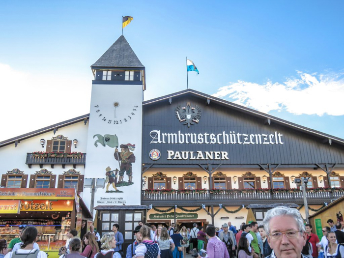 My Wanderlusty Oktoberfest Recap | What it's like at Oktoberfest in Munich, Germany | What it's like to travel to Oktoberfest with Thirsty Swagman | Oktoberfest beer tents | Oktoberfest food and beer | What to wear to Oktoberfest | Oktoberfirsts | Armbrustschutzenzelt | Paulaner Tent