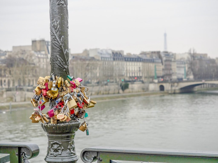 3 days in Paris, France | Paris Museum Pass | Paris Passlib' | Paris Visite | Seine River | Love locks | Eiffel tower