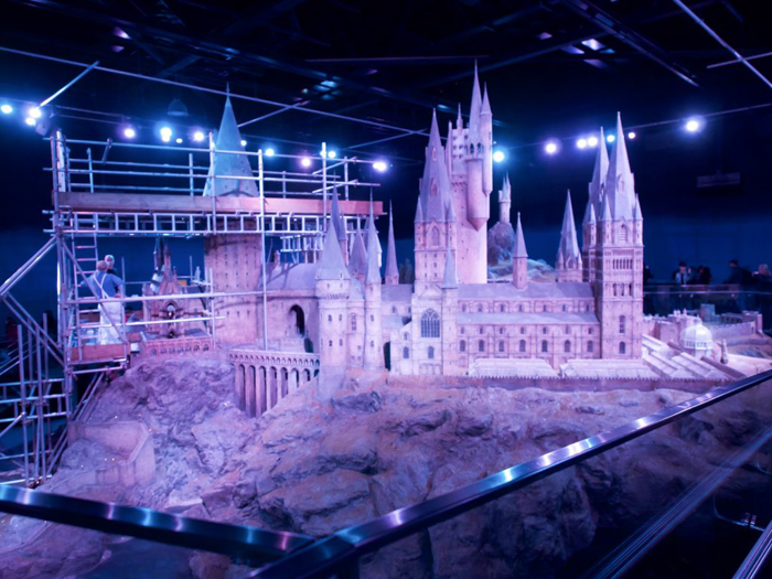 Do This, Not That // Harry Potter Studio Tour | Leavesden, London, UK | Harry Potter film studio and set | Things to do in London | What to do in London | What to see in London | Hogwarts scale model